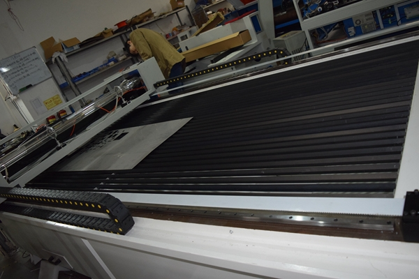 Good Quality Stainless Steel Laser Cutting / Sheet Metal Laser Cutter